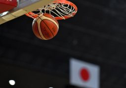 日本選手団の公式ウェアで深夜の繁華街、男子日本代表4選手が処分を受ける見込み